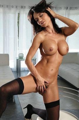 Busty Pornstar Franceska