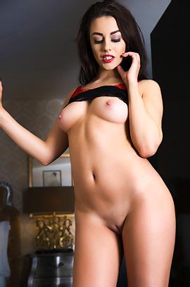 Jayne - Lavish