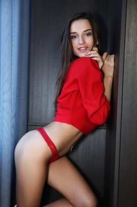 Sophia In Incredibly Sexy