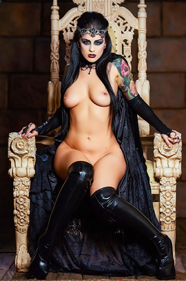 Dark Queen Katrina Jade