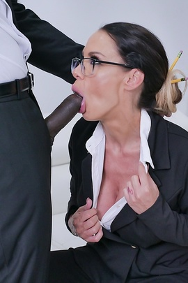 Secretary Gets Black Dick In Tight Asshole